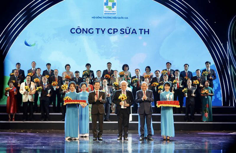 TH đón nhận danh hiệu thương hiệu quốc gia 2020